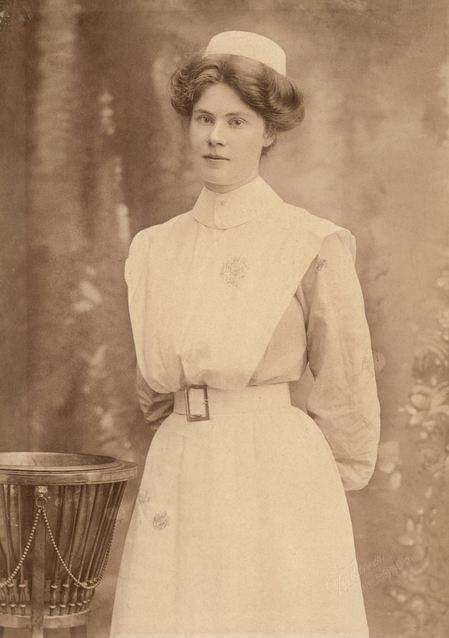 Studio portrait of Marjorie Cross Yuille. Source: Australian War Memorial, P09381.002.